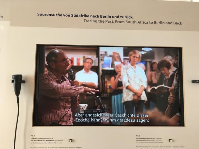 Exhibit showing a speaker Photo: Heike Becker.